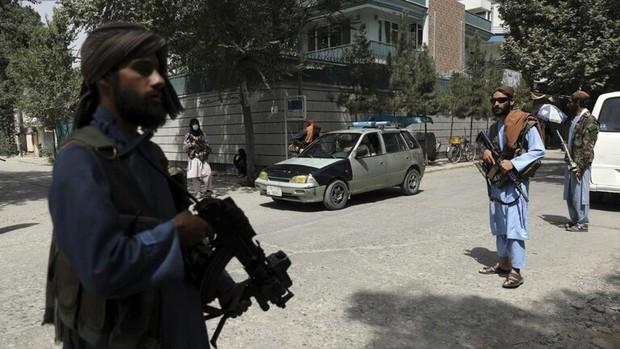 طالبان راهپیمایی روز استقلال در یک شهر افغانستان را به عزا تبدیل کرد+تصاویر