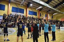 هواداران رشته والیبال از تیم خاتم اردکان  استقبال کردند