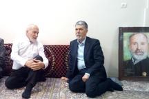 وزیر ارشاد با معلم دبستانی خود در مشهد دیدار کرد