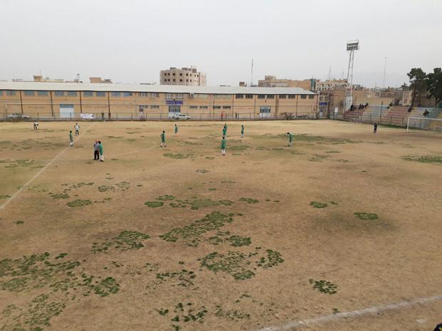 مسابقات فوتبال نوجوانان کشور  نوین فولاد یزد در برابر حافظ شیراز متوقف شد