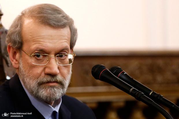 لاریجانی: ایرانی ها در برابر فشارها مقاومت می کنند