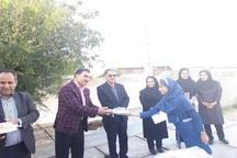 خیران هزار بسته آموزشی به دانش آموزان گچساران هدیه کردند