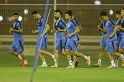 مربی و بازیکن استقلال در امارات تهدید به اخراج از هتل شدند!