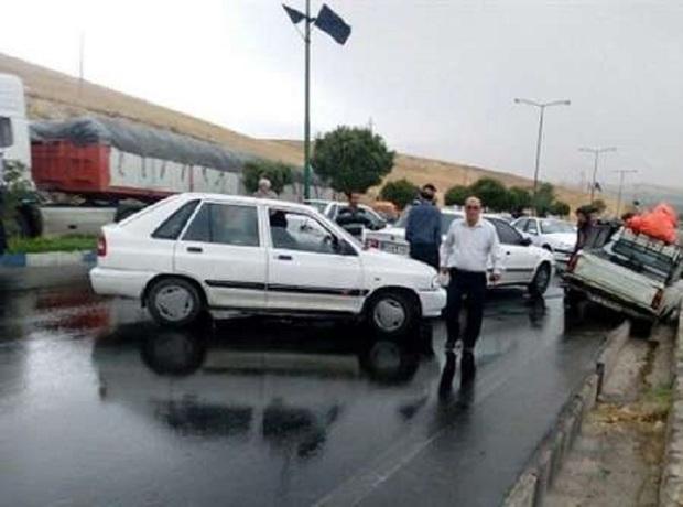بارندگی احتمال  تصادف رانندگی را تقویت  می کند