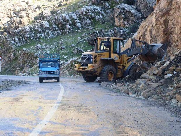 عملیات ریزشبرداری در ۲۵ نقطه از جادههای ایلام انجام شد