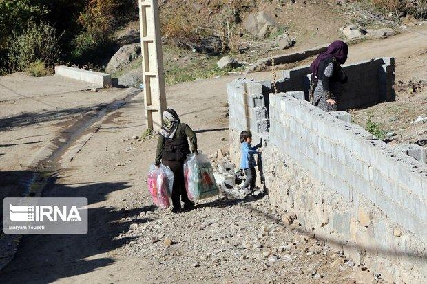 بنیاد مستضعفان سیمان مناطق زلزلهزده را تامین میکند