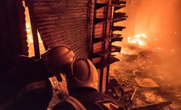 فرماندار تبریز: اتصال برق دلیل آتش سوزی بازار بود