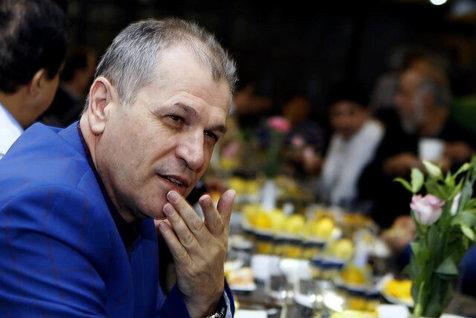 منزوی: میترسم عدد بدهیهای استقلال را بگویم!