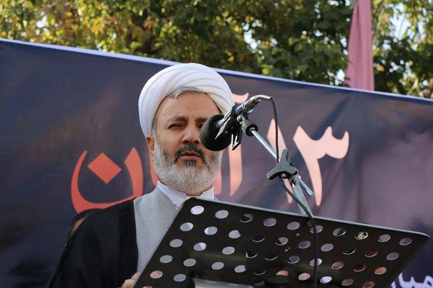 قدرت آمریکا در سایه انقلاب اسلامی رو به افول است