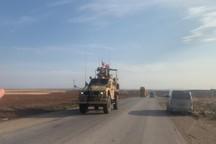 ورود یک کاروان ارتش آمریکا به سوریه برای تخلیه سلاح ها و تجهیزات+ تصاویر