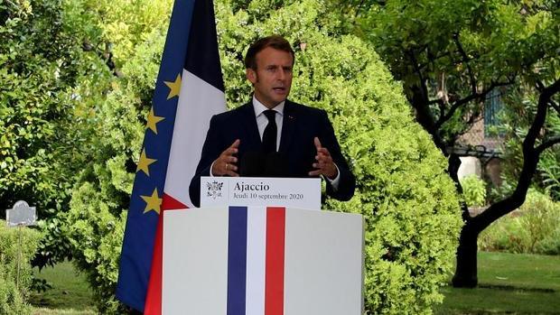 رئیس جمهور فرانسه بار دیگر تنور تنش در مدیترانه را داغ کرد