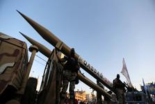 آغاز پاسخ موشکی بزرگ گردان های قسام به تجاوزهای اسرائیل/ حمله به ناو اسرائیلی در  سواحل غزه