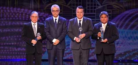 واکنش تند کاربران ایرانی AFC به اظهارات مجری بهترین های سال فوتبال آسیا