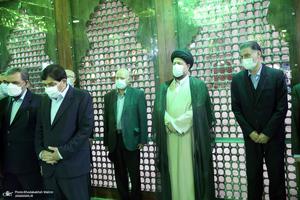 تجدید میثاق رئیس جمهور و اعضای دولت سیزدهم با آرمان های حضرت امام (س)