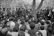 سخنرانى امام خمینی (س) در جمع ایرانیان مقیم خارج درباره پیوستن ارتش به ملت