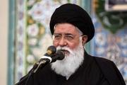 انقلاب اسلامی با شفافیت و صداقت با مردم صحبت میکند