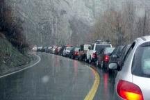 بارش برف بهاری و لغزندگی محور هراز   توصیه پلیس به رانندگان