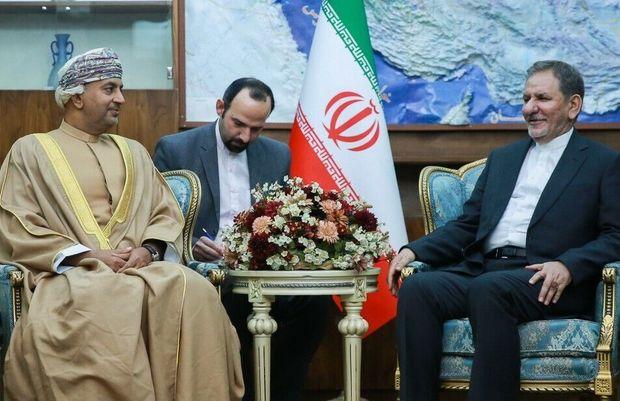 دیدار اسحاق جهانگیری با وزیر صنعت و تجارت عمان