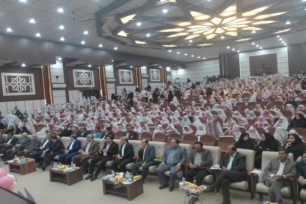 جشن تکلیف 1100 دانش آموز دختر  در گچساران برگزار شد