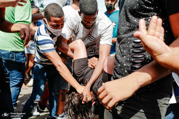 مردم کوبا برای اعتراض به خیابان ها آمدند/ رییس جمهور کوبا: کار آمریکاست