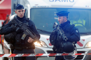 کشته شدن 2 نفر و زخمی شدن 7 نفر دیگر در حمله با چاقو در فرانسه