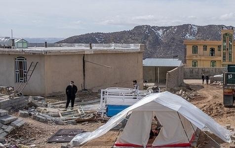 خطر در کمین مردم زلزله زده سی سخت/ آنها به امکانات بهداشتی نیاز دارند