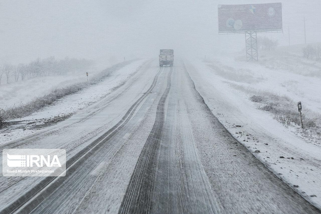 برف و کولاک مناطق کوهستانی زنجان را فرامیگیرد