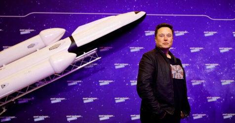 ادعای ایلان ماسک برای تحقق برنامه فرود در ماه ناسا تا ۲۰۲۴
