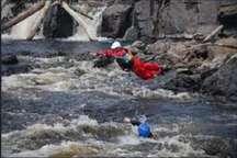 فرد گرفتار در رودخانه هلیل رود جیرفت نجات یافت