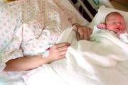شیر مادر بهترین تغذیه برای نوزاد در دوران کرونا است