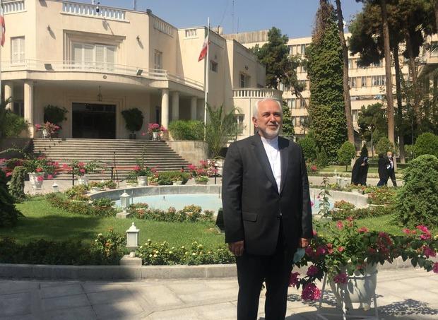 ظریف: ما تلاش خود را برای رفع تحریمها کردیم/ عوامل بیرون دولت و کشور مانع شدند
