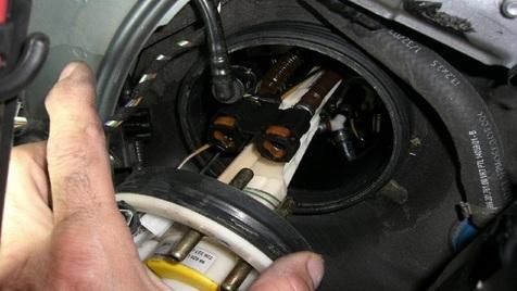 نشانه های خرابی پمپ بنزین خودرو چیست؟