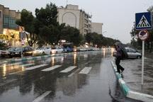 نیروهای ستاد بحران شهرداری مانع آبگرفتگی معابر اصلی اصفهان شدند