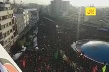 میدان انقلاب تهران مملو از حضور مردم برای استقبال از پیکر سردار شهید سپهبد حاج قاسم سلیمانی
