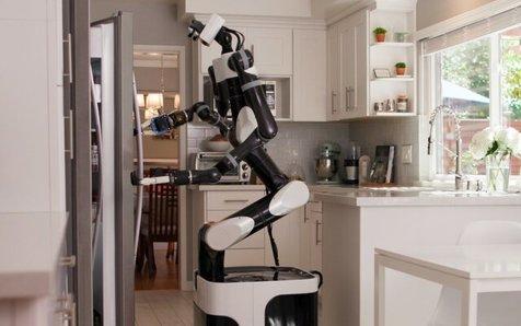 """""""تویوتا"""" با استفاده از فناوری """"واقعیت مجازی"""" یک ربات خدمتکار خانه ساخت"""