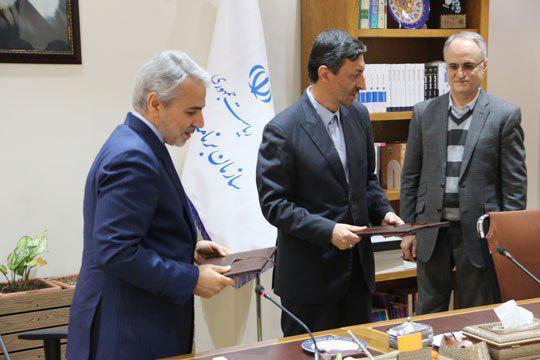 امضای تفاهمنامه 250 میلیاردی برای خانهدار شدن مددجویان کمیته امداد خراسان جنوبی