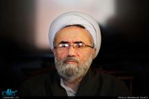 ظریف، این قهرمان ملی را حفظ کنید