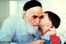 حاج احمد آقا از صمیمیت علی با امام می گوید