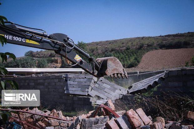 شهرداریها در برخورد با ساخت و سازهای غیر مجاز قاطعانه عمل کنند