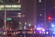 کشته و زخمی شدن 5 نیروی پلیس آمریکا در جریان اعتراضهای شب گذشته