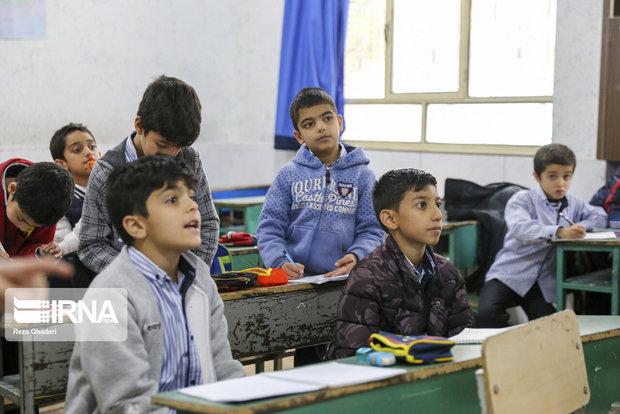 مدرس طرح نماد: آسیبهای اجتماعی در مدارس رو به افزایش است