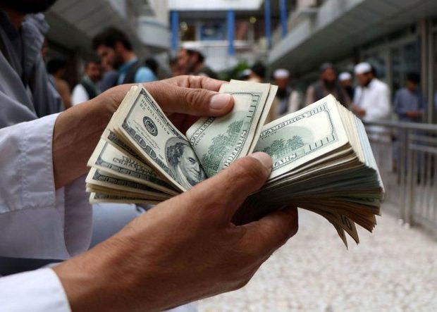 کسانی که ارز دولتی گرفتند ولی با نرخ ارز آزاد با مردم حساب کردند