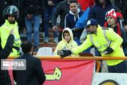 ۲ هوادار فوتبال در ورزشگاه آزادی تهران مصدوم شدند