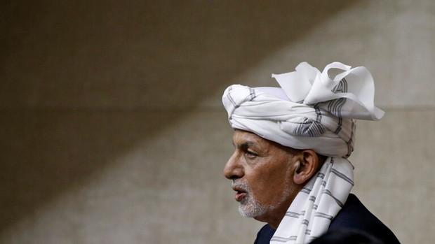 رئیس جمهور افغانستان پس از استعفا کابل را ترک کرد