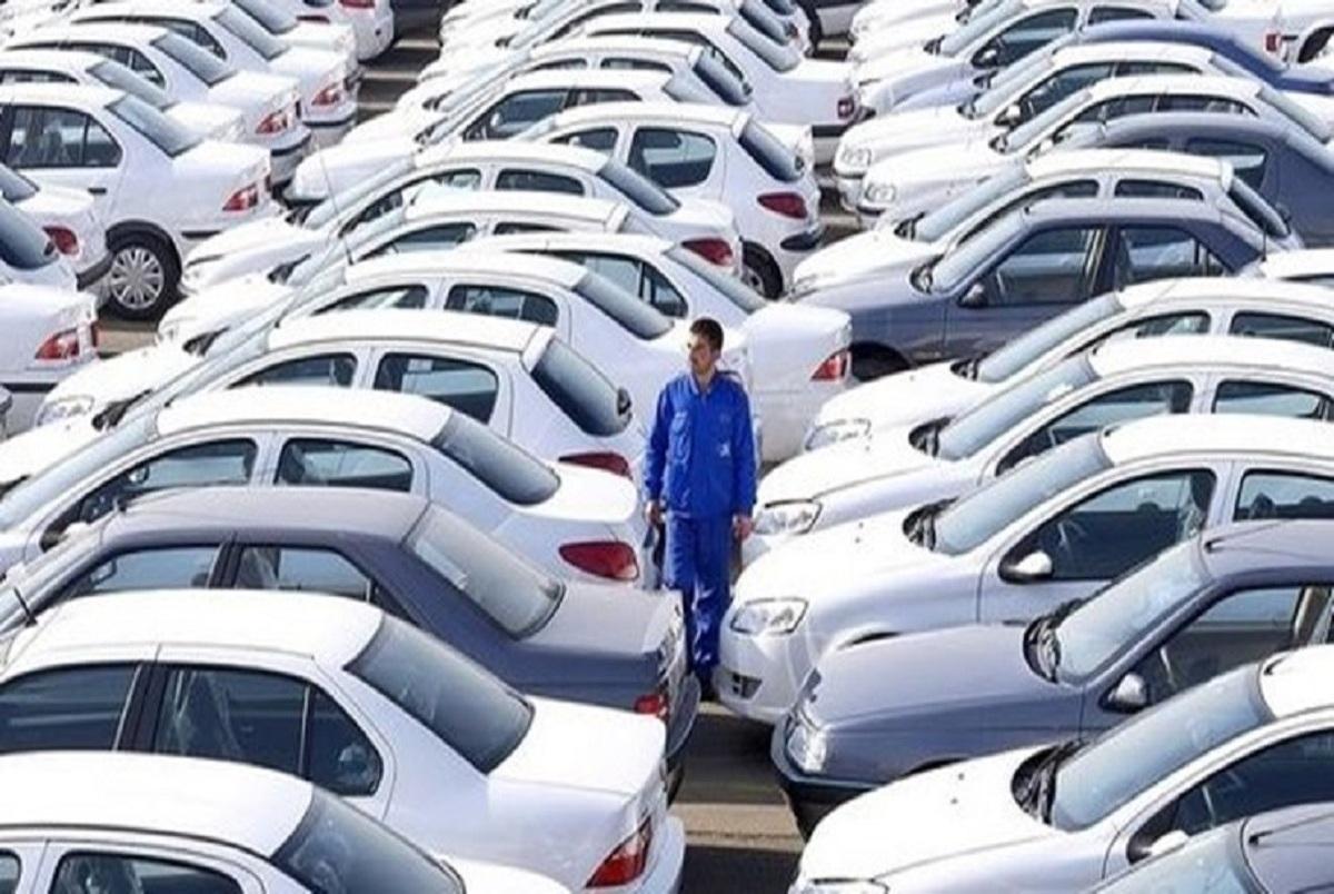 خبری از آزادسازی قیمت خودرو نیست/ قیمت خودرو باید در زمان پیش فروش قطعی اعلام شود