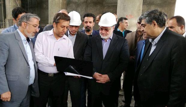 استاندار خراسان جنوبی روند ساخت سالن علامه فرزان را بررسی کرد