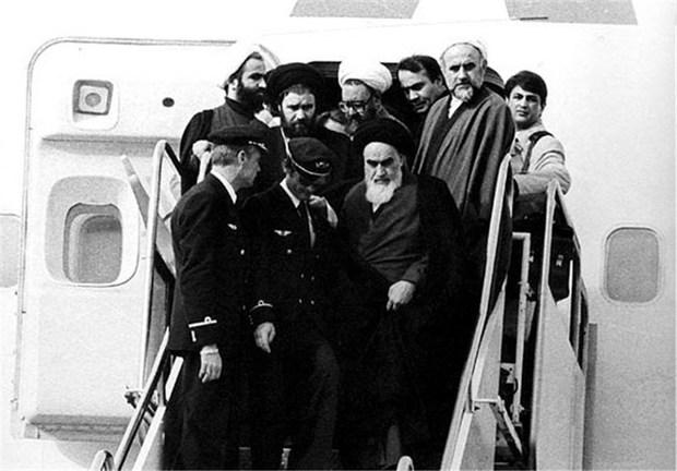 بازگشت امام خمینی به ایران | در اولین روز حضور امام در وطن چه گذشت؟