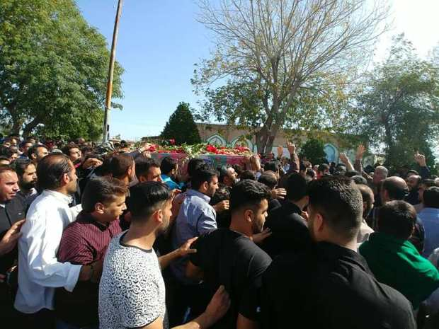 پیکر هشتمین شهید مدافع حرم دزفول تشییع و به خاک سپرده شد