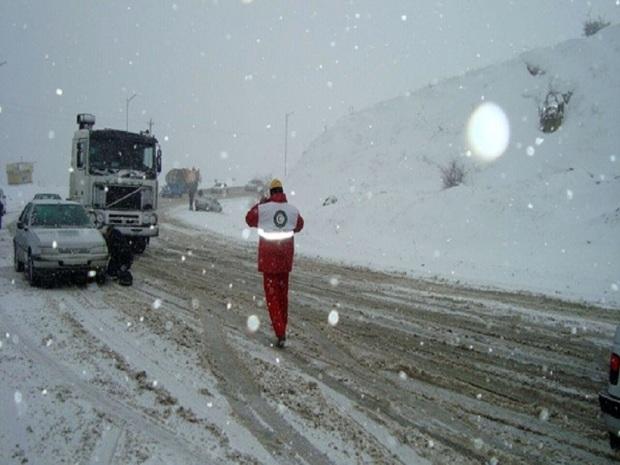 321 گرفتار در برف و سیلاب خراسان جنوبی امدادرسانی شدند