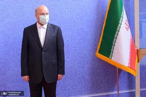 ورود میهمانان مراسم تحلیف سیزدهم ریاست جمهوری - قالیباف پرچم ایران